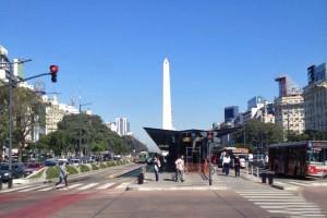 Obelisco de Buenos Aires al final de la Avenida 9 de Julio, qué ver y hacer en Buenos Aires