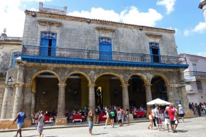 Palacio de los Marqueses de Aguas Claras en la Plaza de la Catedral de La Habana