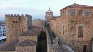 Torre de Bujaco adosada a la muralla de Cáceres