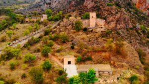 Palacio de los Marqueses de Poza y las ermitas de Santa Cecilia y San Juan