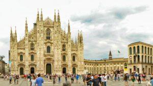 Palacio Real de Milán a la derecha del Duomo