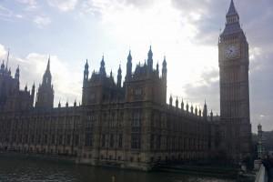 Palacio de Westminster junto al río Támesis