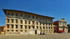 Palacio de la Caravana e Iglesia de San Esteban de los Caballeros
