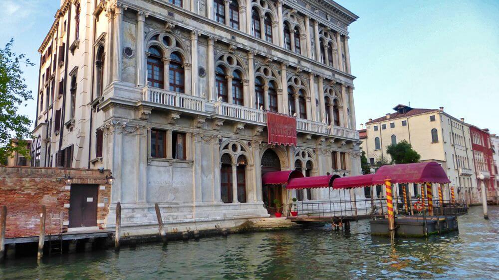 Palacio de Venecia a orillas del Gran Canal