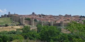 Muralla de Ávila vista desde el Mirador de los Cuatro Postes