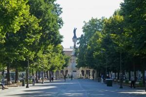 Monumento a los Fueros de Navarra en el Paseo de Sarasate, historia de Pamplona
