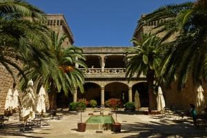 Patio del Castillo-Palacio de los Condes de Oropesa, en Jarandilla de la Vera
