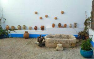 Patio tradicional manchego de la tienda La Aldaba