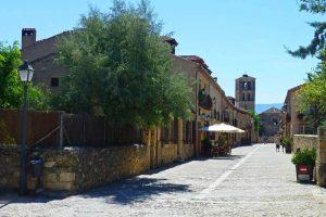 Calles medievales de Pedraza, uno de los pueblos más bonitos de España
