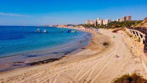 Playa La Glea, una de las más extensa y visitadas de Orihuela Costa
