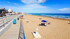 Playa de La Mata, la más extensa de Torrevieja