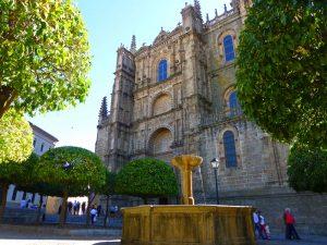 Plaza de la Catedral, una de las más pintorescas de Plasencia