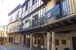 Casas tradicionales en la Plaza de España