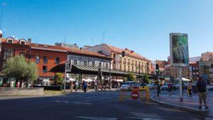 Mercado en el centro de la Plaza de España de Valladolid