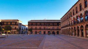 Plaza Mayor, centro de la vida civil, política y religiosa