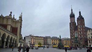 Plaza del Mercado de Cracovia, uno de los sitios más emblemáticos y visitados de la ciudad