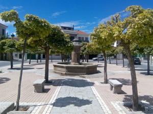 Fuente en una plaza de Las Navas del Marqués