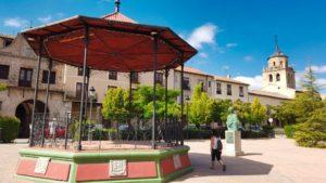 Plaza del Real, el centro de la vida institucional