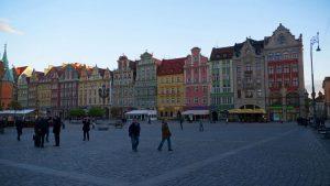 Fachadas de colores de los edificios alrededor de la Plaza Rynek de Breslavia