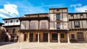Arquitectura popular en la Plaza del Trigo