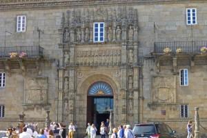 Portada del Hospital de los Reyes Católicos