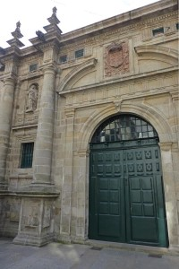 Portada del Monasterio de San Pelayo de Antealtares