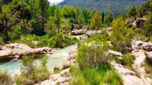 Pozas de color turquesa en las Chorreras de Enguídanos