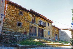 Arquitectura tradicional de La Hiruela, uno de los pueblos negros de Madrid