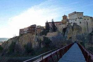 Vistas de las Casas Colgadas de Cuenca desde el Puente de San Pablo
