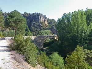 Puente sobre el río Cabrillas en el Parque Natural del Alto Tajo
