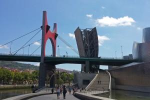 Puente de la Salve junto al Museo Guggenheim