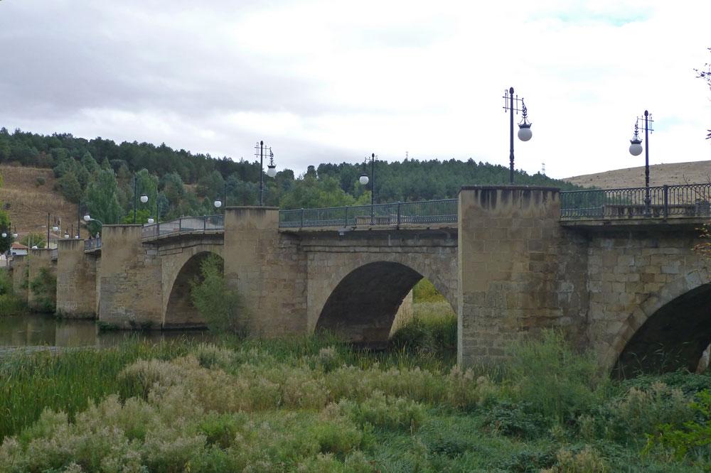 Puente de Piedra de Soria sobre el río Duero