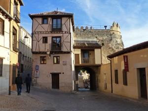 Puerta de San Andrés de la muralla de Segovia