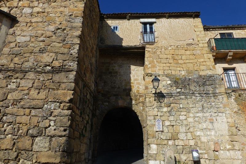 Resultado de imagen de https://www.Puerta del Azogue en Sepúlveda