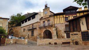 Puerta del Conjuradero desde la Plaza Nueva