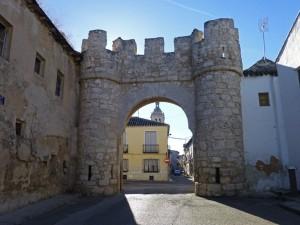 Puerta de Madrid o de San Miguel, qué visitar en Yepes