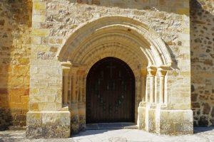 Puerta del Perdón en el Monasterio de Santo Toribio de Liébana