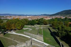 Revellín de los Reyes visto desde el Rincón del Caballo Blanco, muralla de Pamplona