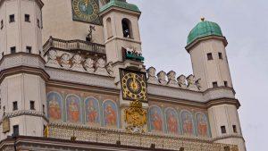 Detalles del reloj del Ayuntamiento de Poznan