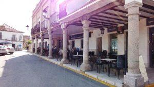 Restaurante en la plaza principal de Escalona