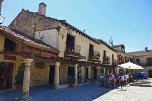 Plaza Mayor de Pedraza, una de las más bellas de España