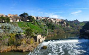 Vistas del río Tajo desde uno de los puentes de Toledo