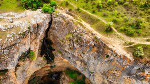 Sendero junto a la Cascada del Gollorio