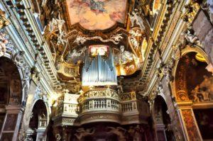 Órgano y bóveda de la Iglesia de Santa María de la Victoria