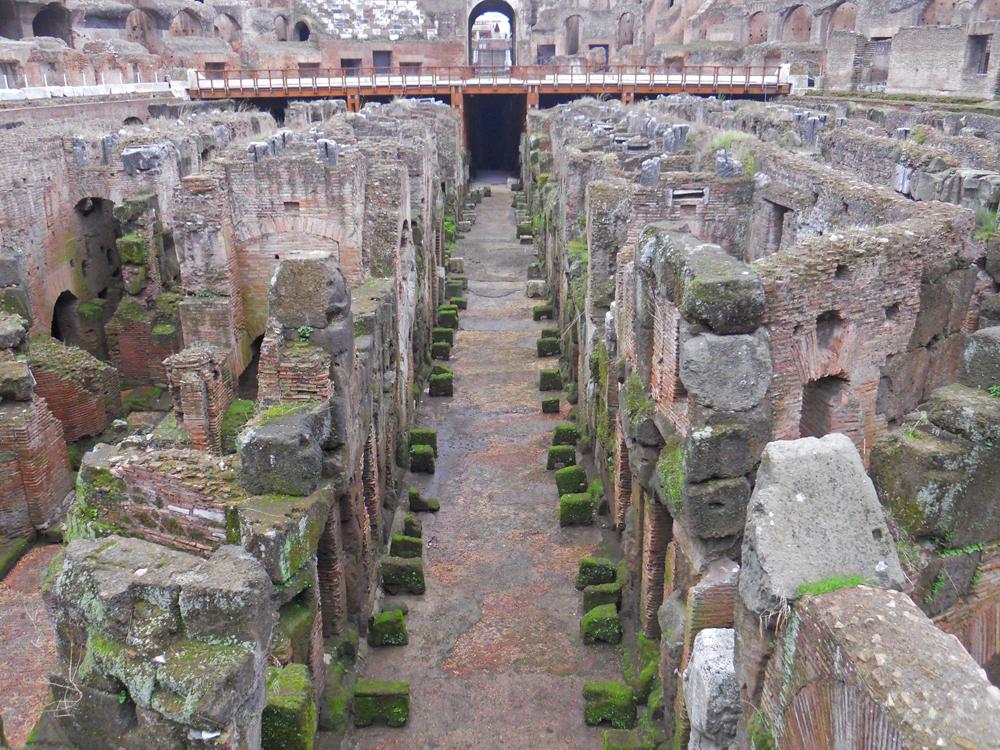 Subterráneos del Coliseo de Roma
