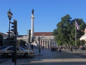 Taxi de Lisboa frente a la Plaza del Rossio
