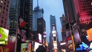 Vista nocturna de Times Square