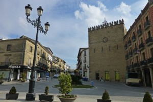 Torre de los Aliatares en la Plaza de España de Baeza