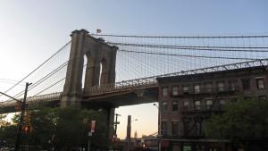 Puente de Brooklyn desde el distrito del mismo nombre