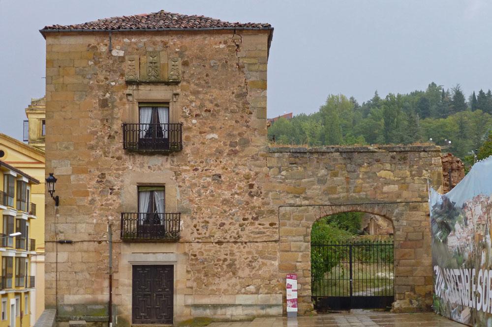 Torre de Doña Urraca en la Plaza Mayor de Soria